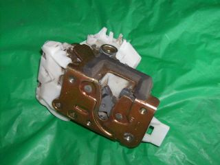 2002 Ford Focus ZX3 right side door lock #C58
