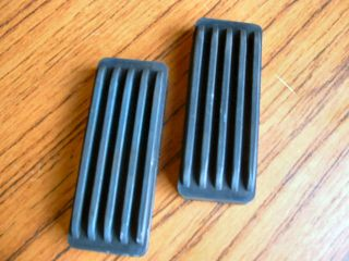JAGUAR E TYPE BRAKE AND CLUTCH PEDAL PADS