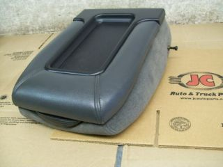 CHEVY SILVERADO CENTER CONSOLE LID 99 00 01 02 03 04 05 06 GMC Sierra