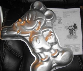 Wilton BIG MICKEY MOUSE cake pan FULL BODY 1995 DISNEY mold tin