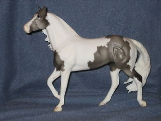Breyer Model Sierra Bianco Paint Horse Smart Chic Pinto
