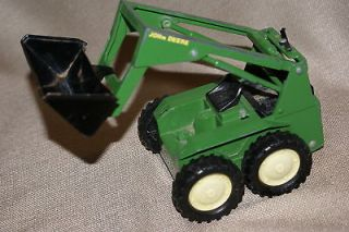 ERTL JOHN DEERE TOY TRACTOR FRONT END LOADER