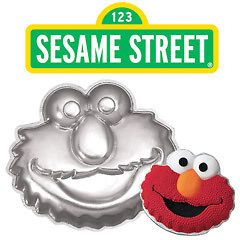 Elmo from Sesame Street Shaped Novelty Birthday Party Cake Pan