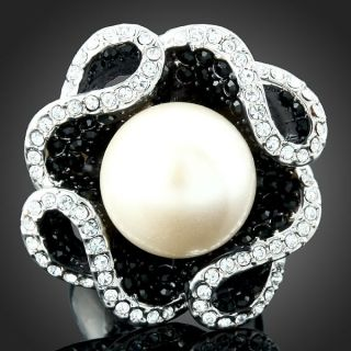 ARINNA B w Swarovski Crystals Pearl Gold GP Finger Ring