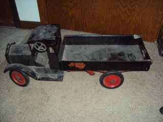 Packard Crank Up Dump Truck   antique toy truck   marx wyandotte ertl
