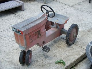 Antique Pedal Tractor International Harvester Model 404 C