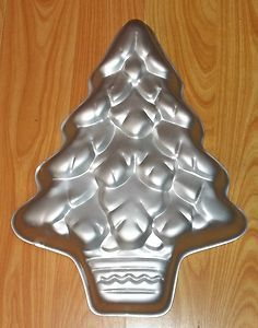 VINTAGE WILTON CHRISTMAS TREE CAKE PAN 502 1107 VGUC GREAT FOR