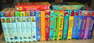 Childrens VHS Lot of 22 Caillou, Clifford Red Dog, Dora The explorer