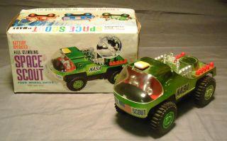 Vintage Battery Op Hill Climbing Space Scout Four Wheel Drive Marx Toy
