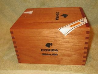 Authentic COHIBA Habana Cuba 25 SIGLO VI Cuban Cedar Cigar Box
