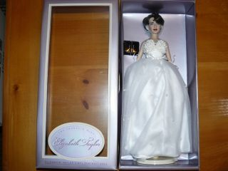 Franklin Mint Elizabeth Taylor Vinyl Doll Mint Complete Box COA Place