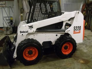 skid steer loader S220 397 hours excellent condition ACS dual controls