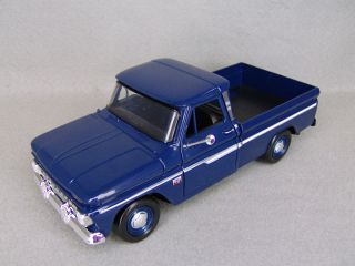 1966 Chevrolet C10 C 10 Fleetside Pickup Truck Diecast Model D Blue 1