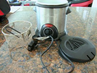 Presto Electric Deep Fryer with Magnetic Cord