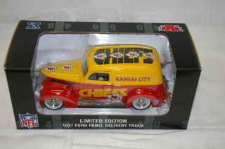 Kansas City Chiefs Ford Panel Delivery Truck Metal Die cast 1 24