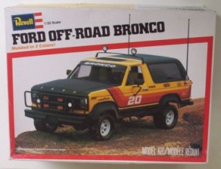 FORD Bronco 4x4 SUV Truck Off Road 125 Revell Vintage Model Kit