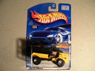 2000 HOT WHEELS OSHKOSH SNOWPLOW DIECAST CAR COLLECTOR #233 STILL