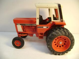 IH International Harvester 1586 Diecast Farm Tractor 1 16 Ertl