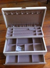 Vintage Mele Jewelry Box Chest Retro