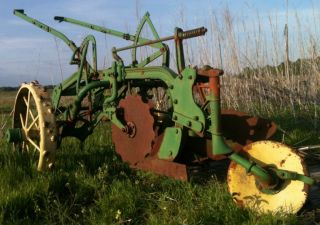 John Deere Trip Plow Two Bottom Pull Plow on Steel