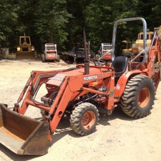 Kubota B20 4x4 Front End Loader Backhoe