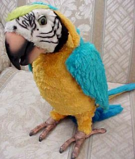 FurReal Fur Real Parrot Squawkers McCaw Macaw Dances Talking Hasbro