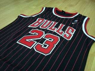 Michael Jordan Chicago Bulls NBA jersey size Small black pin stripe