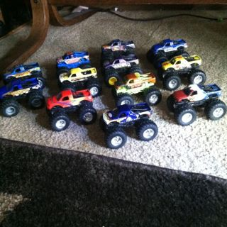 Lot of 12 Hot Wheels Monster Jam Trucks 1 64 Scale EUC