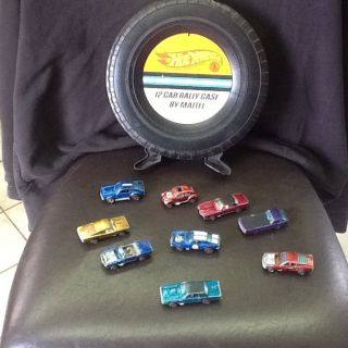 Hot Wheels 12 Car Rally Case with 9 Redline Cars