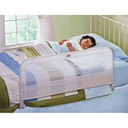 Summer Infant Sure And Secure White Single Bed Rail (WhiteSimple ratchet mechanism ensures a snug fitFolds down for easy access to the bed or to change linensAccommodates up to queen size mattressesMaterials Polyester, plastic, nylon, metalDimensions 42